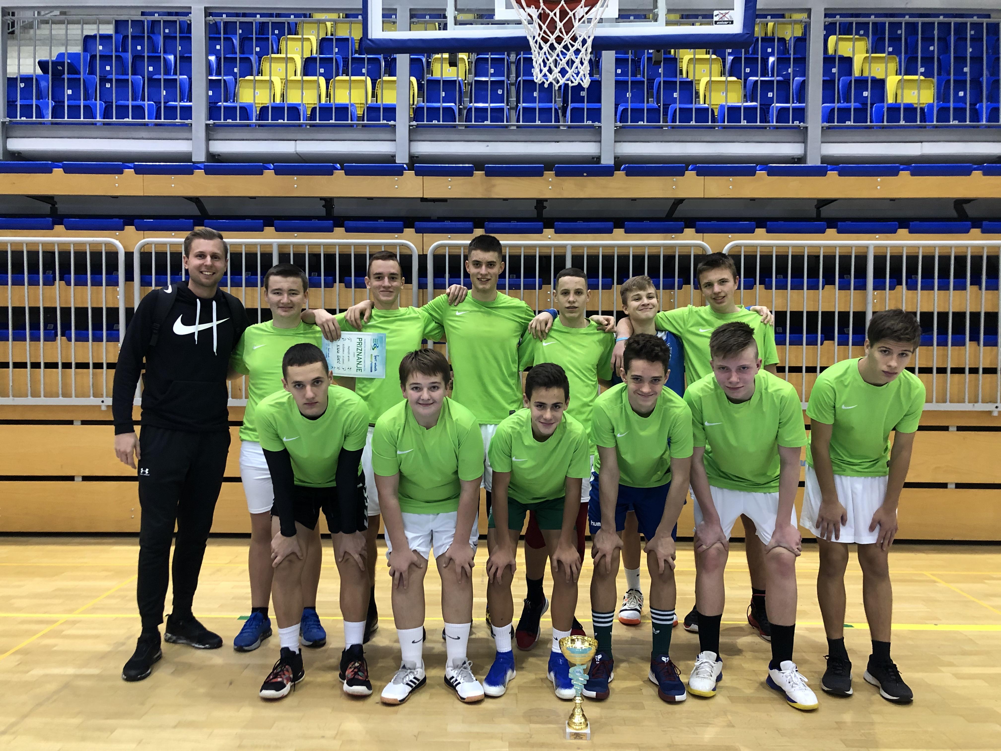 OŠ Sevnica področna prvakinja v košarki za st. učence