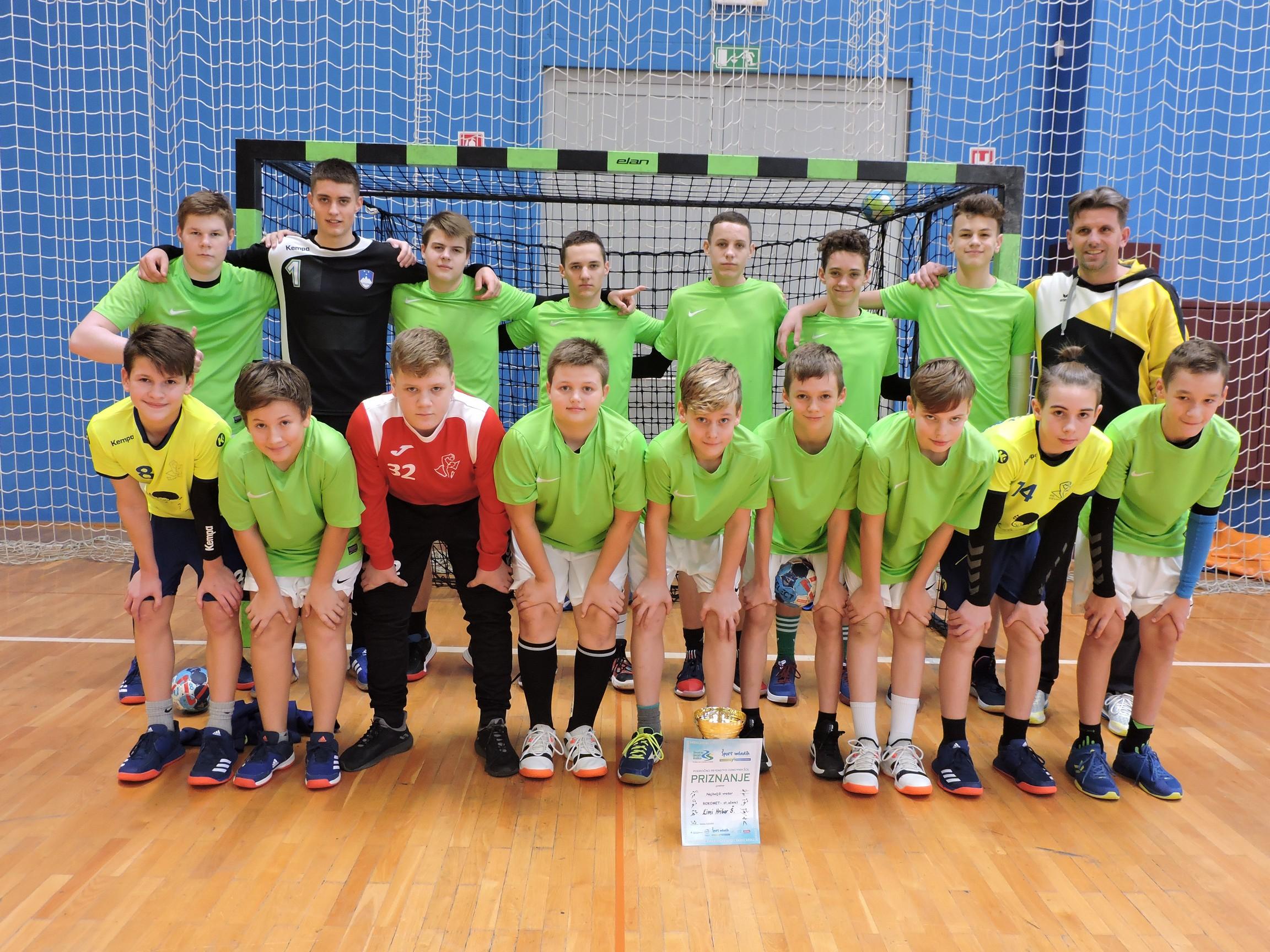 Učenci OŠ Sevnica osvojili naslov področnih prvakov v rokometu