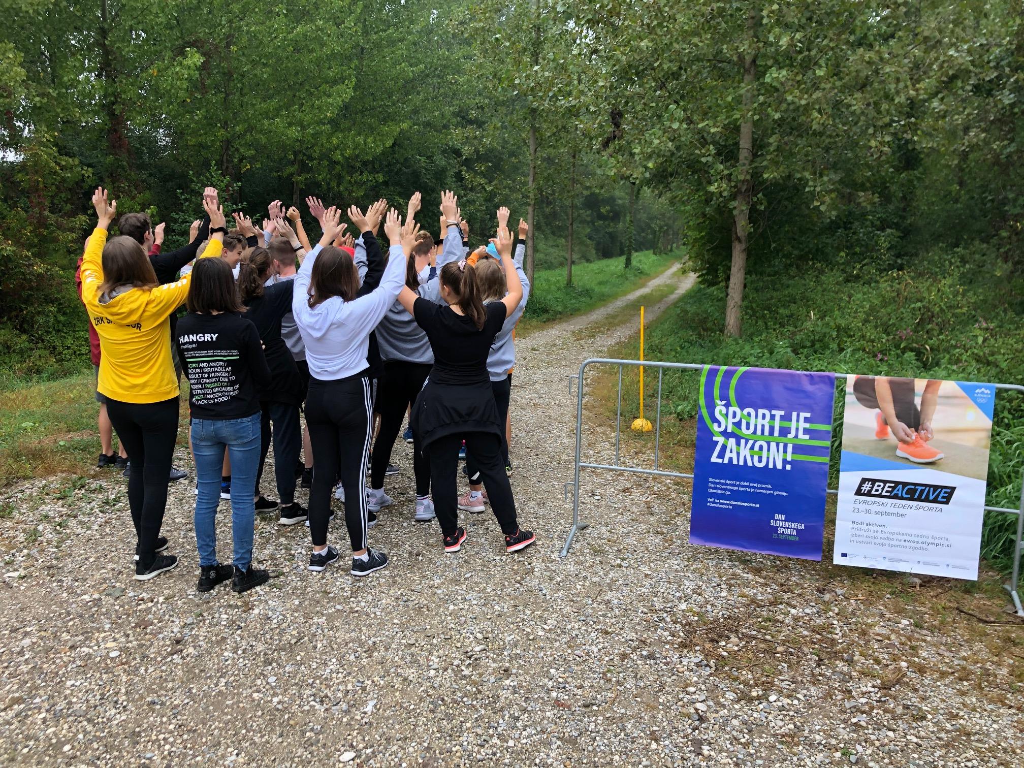 Več kot 1400 tekačev obeležilo Dan slovenskega športa